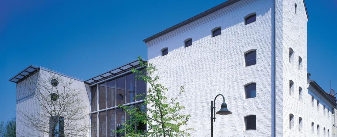 Außenansicht des Deutschen Glasmalerei-Museums